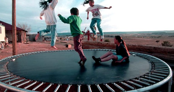 gioco sul tappeto elastico